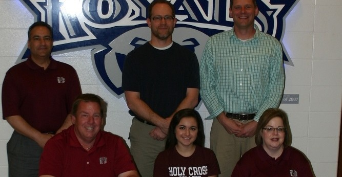 Mia DelPrince signs with the Saints women�s golf program
